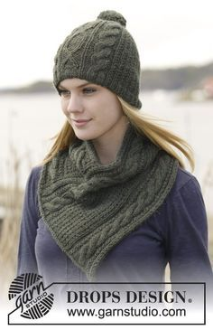 Set consists of: Knitted DROPS hat and neck warmer with cables and textured pattern in 2 strands Alpaca. Free pattern by DROPS Design.