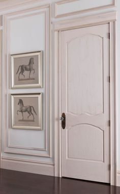 Great ideas on how to use crown moulding and interior finishes in your home! See more on http://ablissfulnest.com/ #buildingideas #crownmoulding #ad #MyMetrie