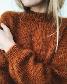 Ravelry: Novice Sweater pattern by PetiteKnit Sweater Knitting Patterns, Knit Patterns, Kos, Pullover Design, Oversize Pullover, Pullover Shirt, Aran Weight Yarn, Cooler Look, How To Purl Knit
