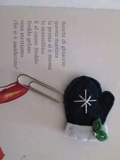 Winter paper clip - felt bookmark - Glove Paper clip - di TinyFeltHeart su Etsy