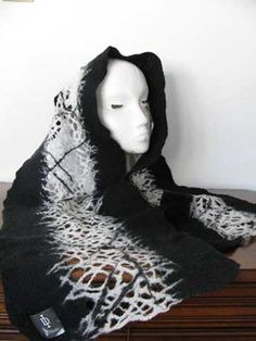 Pine Needle Black & White Scarf