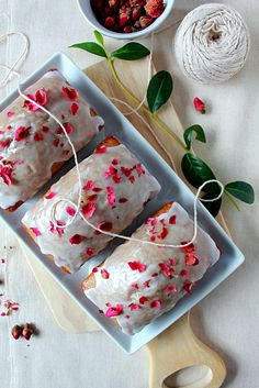 http://ohsweetday.com/2015/06/earl-grey-teacake-with-lemon-glaze.html