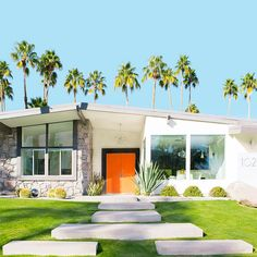 How To Get The Palm Springs Look In Your New Home- the iconic characteristics of this amazing style movement. - mid-century modern home exterior features and curb appeal Mid Century Modern Design, Modern House Design, Modern Interior Design, Mid Century Modern Houses, Palm Springs Mid Century Modern, Modern Backyard Design, Classic Interior, Nachhaltiges Design, Beton Design