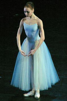 balletisart:    Serenade- Ekaterina Osmolkina**.
