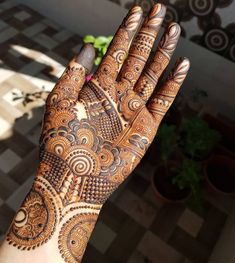 What is a Henna Tattoo? Henna tattoos are becoming very popular, but what precisely are they? Khafif Mehndi Design, Floral Henna Designs, Full Hand Mehndi Designs, Henna Art Designs, Stylish Mehndi Designs, Mehndi Designs 2018, Mehndi Designs For Girls, Mehndi Design Photos, Wedding Mehndi Designs