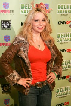 Tara Strong, Picture Photo, I Laughed, Safari, Pictures, Photos, Actresses, Funny, Fashion