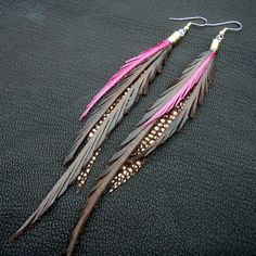 Leather Feather Earrings - brown, pink and sparkly bronze. This earrings are so cool, same concept so many designs by CyclonaDesigns Feather Jewelry, Feather Earrings, Beaded Earrings, Earrings Handmade, Beaded Jewelry, Handmade Jewelry, Stud Earrings, Bridal Earrings, Jewelry Accessories