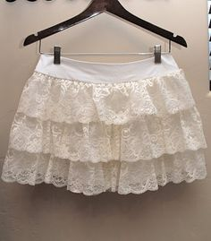 Someday Crafts: Lace Skirt (Buckle Knock-off)