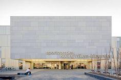 Sport complex Koning Willem Alexander. 2.650 m² fibreC facade, colour: ivory, surface: MA Matt, FL Ferro Light, FE Ferro