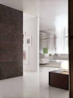 Looking for supplementary sliding glass doors design to prefer from? Browse photo gallery from top interior designers to acquire the perfect design today. Wooden Sliding Doors, Sliding Door Design, Sliding Door Systems, Sliding Glass Door, Glass Doors, Top Interior Designers, Home Interior Design, Hotel Door, Soft Flooring