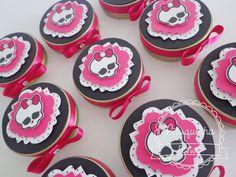 Latinha personalizada para o tema Monster High  Latinha 7x2  Recheada com jujubas  Fitas,Laços,renda decorativas      ***PEDIDO MINIMO 20 UNIDADES R$ 6,17