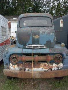 Old Ford Cab-over truck rusting away