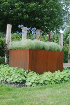 High quality planters made from thick corTen steel with a warm rust appearance. Corten Steel Planters, Outdoor Planters, Gras, Flower Beds, House Design, Deco, Retaining Walls, Flowers, Plants