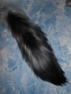 Yarn tail black & gray