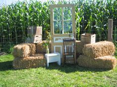 Favori photobooth mariage Archives - Page 3 of 8 - ma jolie toile Country Wedding Decorations, Country Decor, Deco Champetre, Vintage Photo Booths, Photos Booth, Barn Parties, Anniversary Photos, Outdoor Furniture Sets, Outdoor Decor