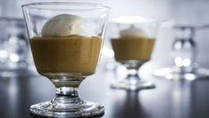 Poudings au butterscotch, crème fouettée au café - Recettes de cuisine, trucs et conseils - Canal Vie