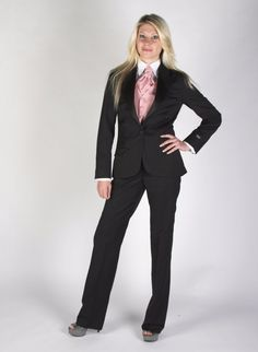 This one button peak lapel suit has been tailored in a specially selected lightweight wool mix fabric that gives a soft touch. Designed and cut specifically with woman in mind, this beautiful slim fit