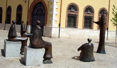 Monumento a la primera universidad de España.