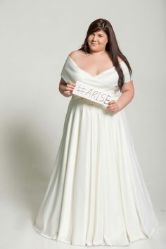 "Off shoulder curvy bridal gown on a project ""Beautiful in every size"" Studio Levana"