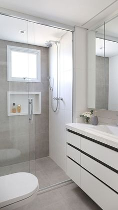 Simple Bathroom, Bathroom Styling, Bathroom Interior, Small Bathroom, Bathrooms Remodel, Bathroom Decor, Small Master Bathroom, Bathroom Design, Bathroom Renovations