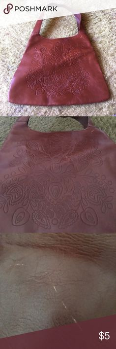 Gap purse Cute flower design front snap bag small scratch on back of bag refer to picture otherwise good shape not leather GAP Bags Shoulder Bags