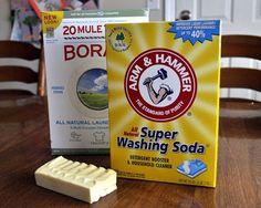 Η σκόνη πλυντηρίου χρειάζεται λιγότερο χρόνο παρασκευής από το υγρό απορρυπαντικό. Ακολουθήστε λοιπόν τις οδηγίες παρασκευής  Ανακατέψτε σ...