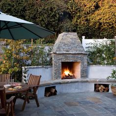 Wonderful Backyard Landscaping Firepit Backyard Landscaping Firepit Outdoors Outdoor Fire Pit Ideas For Exciting Patio Heater Ideas Outside Fireplace, Backyard Fireplace, Outdoor Fireplaces, Fireplace Wall, Outdoor Kitchen Design, Patio Design, Kitchen Decor, Outdoor Kitchens, Outdoor Spaces