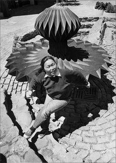 ruth asawa and albert lanier 3d Artist, Artist At Work, Ruth Asawa, Black Mountain College, San Francisco, Mediums Of Art, Wow Art, Origami Art, Art Studios
