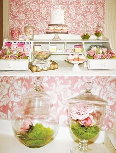 love the use of a desk 'hutch' for the candy display by myrl