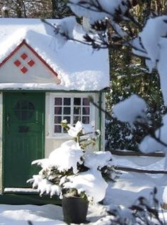 17 She Sheds We Want to Live in Right This Second via @PureWow