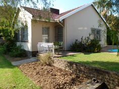 Well priced home for sale in Randburg - Must see ! Real Estate Houses, Back Doors, School Fun, Cupboards, Colleges, Easy Access, Schools, Opportunity, Dishwasher