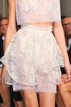 """whore-for-couture: """" Francesco Scognamiglio, Spring/Summer 2014 RTW """" Fashion Details, Love Fashion, Runway Fashion, Luxury Fashion, Fashion Show, Womens Fashion, Fashion Design, Milan Fashion, Ballet Fashion"""