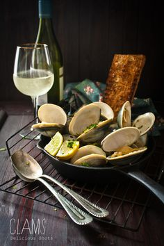White Wine & Lemon Clams