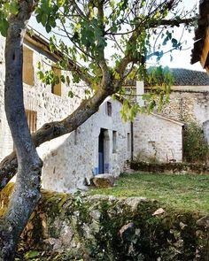 Une maison de pierres dans la campagne espagnole - PLANETE DECO a homes world