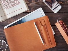 Handmade 12.9″ iPad Pro Leather Case with Apple Pencil Holder