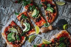 Chili con Bean Pizza   Chili con papu pitsa. Vegaani.