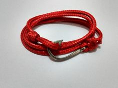 Pulseira Corda com Anzol Vermelha - Linha Náutica
