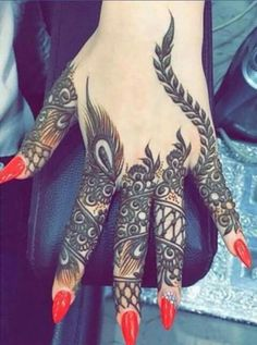 This is a sort of collections I made from internet so cuz i just to want to share some Indian arts Khafif Mehndi Design, Indian Mehndi Designs, Modern Mehndi Designs, Beautiful Henna Designs, Bridal Mehndi Designs, Mehndi Images, Heena Design, Finger Henna Designs, Mehndi Designs For Fingers