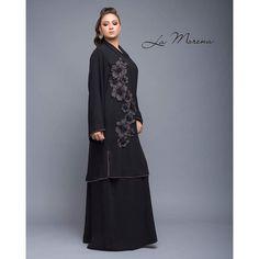 Repost with ・・・ Scarf Dress, Hijab Dress, Hijab Outfit, New Abaya Design, Abaya Designs, Abaya Fashion, Muslim Fashion, Modern Abaya, Kaftan Abaya