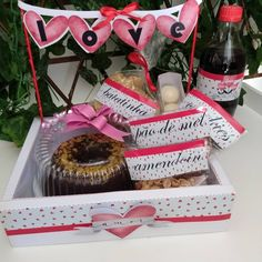 Cake Decorating Tutorials, Lol Dolls, Hamper, Diy And Crafts, Valentines Day, Bouquet, Gift Wrapping, Packaging, Desserts