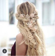 Creative and Unique Wedding Hairstyles for Long Hair 4 frisuren haare hair hair long hair short Wedding Hairstyles For Long Hair, Braids For Long Hair, Wedding Hair And Makeup, Hair Wedding, 2017 Wedding, Bridal Hairstyle, Wedding Themes, Loose Braids, Loose Curls