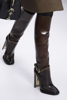 Salvatore Ferragamo Fall 2014 Ready-to-Wear Collection - Vogue Women's Shoes, Me Too Shoes, Heeled Boots, Bootie Boots, Shoe Boots, Look Fashion, Fashion Shoes, Milan Fashion, Botas Sexy