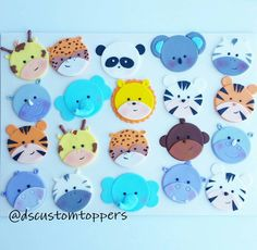 Jungle and Safari cupcake toppers. Zoo Baby by DsCustomToppers Cupcake Tier, Fondant Cupcake Toppers, Cupcake Cakes, Safari Cupcakes, Themed Cupcakes, Zoo Animal Cupcakes, Zoo Da Zu, Muffins Decorados, Jungle Animals