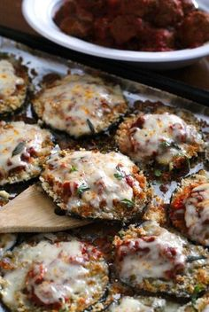Sheet Pan Eggplant Parmesan is my favorite eggplant dinner that is made by baking breaded eggplant slices on a sheet pan until perfectly golden and then topping them with robust tomato sauce and lots of melty mozzarella cheese. Veggie Recipes, Vegetarian Recipes, Dinner Recipes, Cooking Recipes, Healthy Recipes, Simple Vegetable Recipes, Egg Plant Recipes Healthy, Healthy Pizza, Fast Recipes