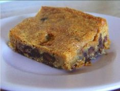 #lowCarb Sugar-Free Chocolate Chip Blondies are soft, chewy and oh so yummy