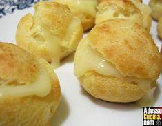 Ricetta Bignè salati al formaggio. In Vol-au-vent, bignè, bocconcini. Ingredienti per 4 persone: 20 bignè. 60 gr farina . 60 gr burro . mezzo litro di latte. sale e pepe. 50 gr fontina . 50 gr gruvier