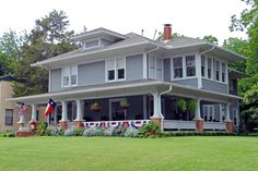American Foursquare House with Flags, Swiss Avenue, Dallas | by StevenM_61