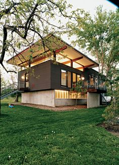 Affordable, SIP-Built Family Home in Kansas City, Missouri. Architect Jamie Darnell had a simple plan for his family's home in Kansas City, Missouri, but the result is anything but plain.