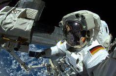 """Alexander Gerst: """"#ScienceSelfie #piday"""" : 3/4/15, 5:39 am et - twitter"""