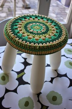 Miemosa Crochet Wool, Crochet Pillow, Tapestry Crochet, Love Crochet, Crochet Home Decor, Crochet Tablecloth, Crochet Mandala, Crochet Accessories, Crochet Clothes